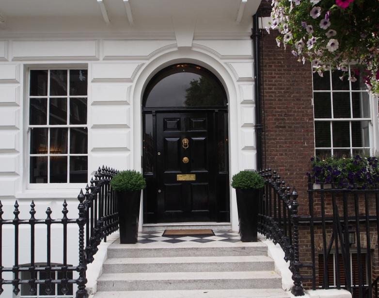 front door, elegant London townhouse - Landlord News