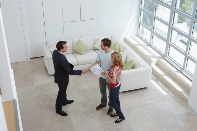 landlord shakimng hands