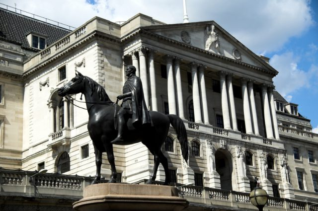 BoE Keeps Interest Rates on Hold Despite Inflation Fears
